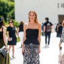 Camille Rowe – Christian Dior Haute Couture Show 2019 in Paris - 454 x 681