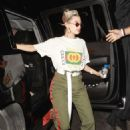Hailey Baldwin – Arriving to John Mayer private party in Los Angeles - 454 x 652