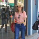 Katja Herbers – Shopping in Beverly Hills