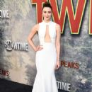 Madeline Zima – Showtime's 'Twin Peaks' Premiere in Los Angeles - 454 x 637