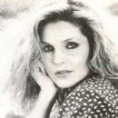 Priscilla Presley - 454 x 473