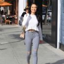 Mara Teigen in Ripped Jeans – Out in Beverly Hills - 454 x 613