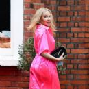 Kylie Minogue – In an electric pink silk outfit in South London - 454 x 810