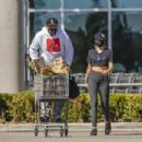 Miley Cyrus – Grocery shopping candids