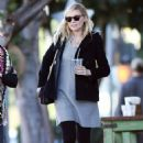 Kirsten Dunstout for lunch in LA - 454 x 681