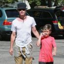 Gavin Rossdale takes his son Kingston to his soccer game in Sherman Oaks, California on April 12, 2015 - 454 x 537