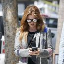 Isla Fisher – Shopping in Los Angeles - 454 x 642