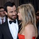 Justin Theroux and Jennifer Aniston At The 85th Annual Academy Awards (2013) - 433 x 594