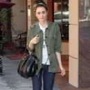 Lily Collins heading to a doctor's office in Beverly Hills (July 15)