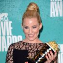 Elizabeth Banks At The 2012 MTV Movie Awards - Press Room