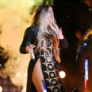 Jennifer Lopez – 4th Of July Performance in New York - 454 x 681