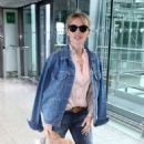 Kylie Minogue in Jeans at terminal 5 departing for New York - 454 x 829