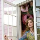 Rene Russo as Helen North in Paramount Pictures' comedy Yours, Mine and Ours - 2005