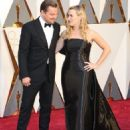 Leonardo DiCaprio and Kate Winslet At The 88th Annual Academy Awards (2016) - Arrivals - 454 x 552