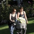 Alyson Hannigan: plays on the yard with her nanny in LA