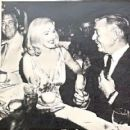 Clark Gable - La Settimana Incom Magazine Pictorial [Italy] (1 December 1960) - 454 x 420