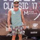 Luciano Castro - 439 x 587