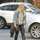 Hilary Duff Out for a Sushi Dinner in Beverly Hills - 454 x 567