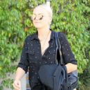 Malin Akerman out and about shopping trip in Beverly Hills, California on March 24, 2017 - 454 x 586
