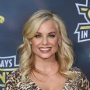 Jessica Collins – 'It's Always Sunny In Philadelphia' Premiere in Hollywood - 454 x 644