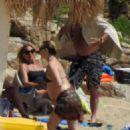 Kate Hudson in Bikini at the beach in Skiathos - 454 x 603