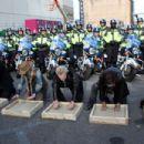 Aerosmith invade Boston street for free concert