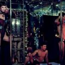 Saskia De Brauw -''One Night in Bangkok'' Editorial 2012 - 454 x 295