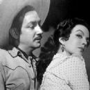 Maria Felix and Jorge Negrete - 334 x 424