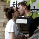 Daisy Ridley kiss with her boyfriend Tom Bateman in London - 454 x 636