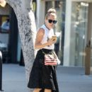 Busy Philipps – Out at Larchmont Village in Los Angeles - 454 x 647