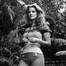 Priscilla Presley - 454 x 567