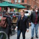 Amy Schumer – Seen on a 'Life and Beth' set at Balthazar in New York