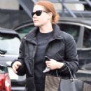 Amy Adams in Jeans – Shopping in Beverley Hills