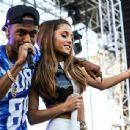 Ariana Grande and Big Sean - 440 x 342