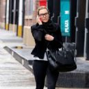 Kate Winslet – Out and about in New York - 454 x 710