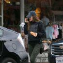 Elizabeth Olsen – Leaving a restaurant in LA - 454 x 704