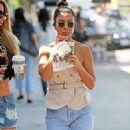 Kourtney Kardashian – Seen Out in Los Angeles - 454 x 627