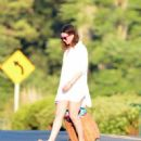 Anne Hathaway – Seen leaving a beach in Connecticut