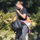Maria Sharapova in Tights Heading to a gym in LA - 454 x 704