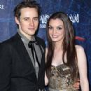 Reeve Carney and Jennifer Damiano - 299 x 300