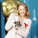 Jodie Foster At The 64th Annual Academy Awards - Best Actress for Silence of the Lambs (1992) - 352 x 288