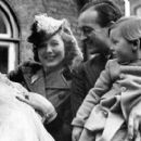 David Niven and Primula Rollo - 380 x 272