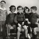 Still of Scotty Beckett, Darla Hood, George 'Spanky' McFarland, Carl 'Alfalfa' Switzer and Billie 'Buckwheat' Thomas in The Little Rascals (1955) - 454 x 353