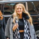 Blake Lively is spotted stepping out in New York City (February 15, 2017) - 399 x 600