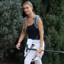 Joanna Krupa a hike in the Hollywood Hills - 454 x 681