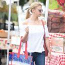 Jodie Sweetin – Shopping at Farmer's Market in Studio City - 454 x 815