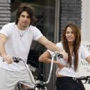 Random photos of Miley Cyrus, Justin Gaston - 420 x 300
