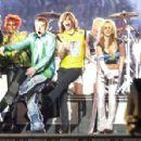 Britney Spears in Super Bowl XXXV Halftime Show - 454 x 298