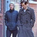 Claire Danes and her husband Hugh Dancy out in New York - 454 x 681