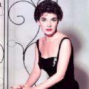 Polly Bergen - 304 x 380